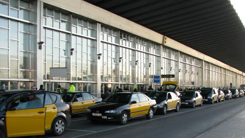Éxito del taxi al lograr el decreto ley que frena la liberalización del sector