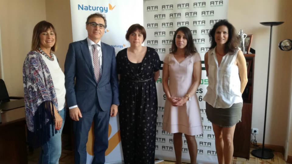 Acuerdo para impulsar la eficiencia energética entre los autónomos madrileños